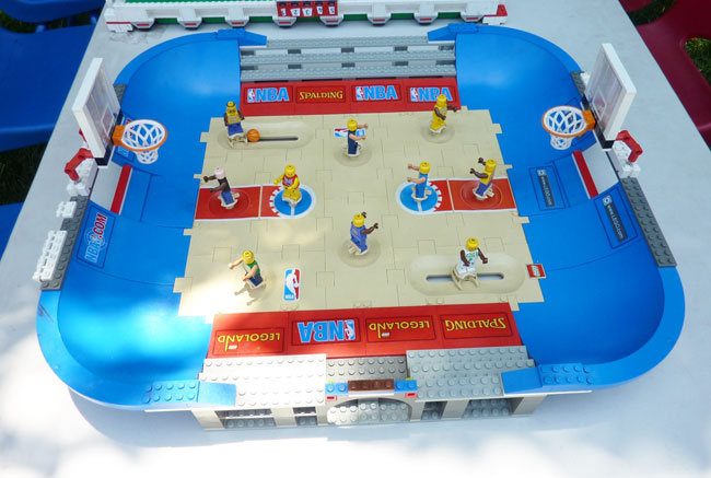 LEGO basketball game